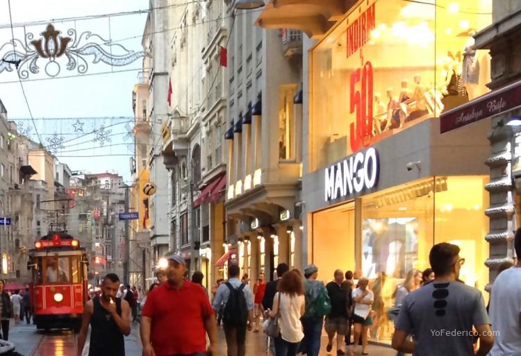 MANGO en Estambul, Turquía