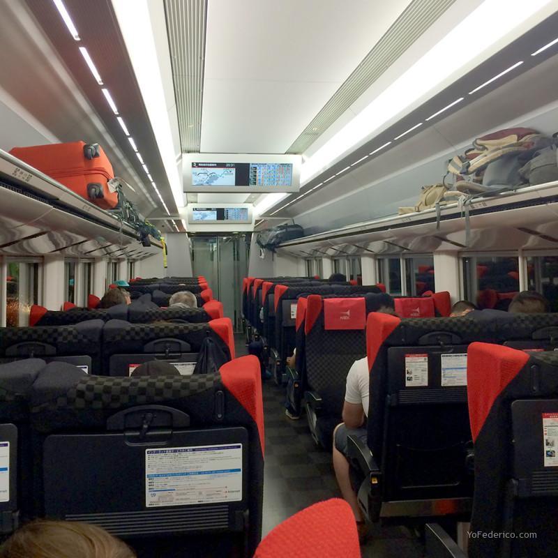 Interiores de los vagones del Narita Express N'Ex