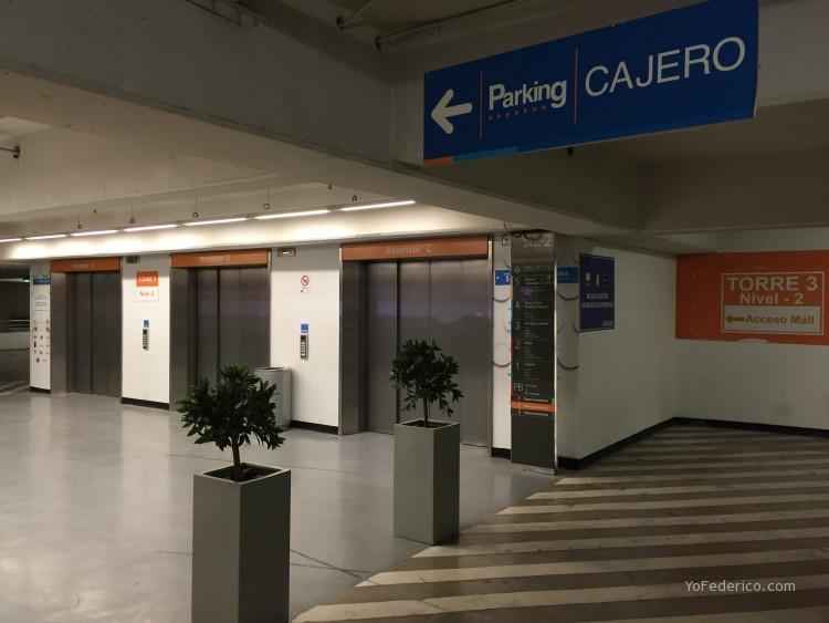 Parking del Costanera Center, SKY Center, Santiago Chile