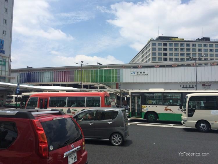 Estacion de trenes de Nara, Japon