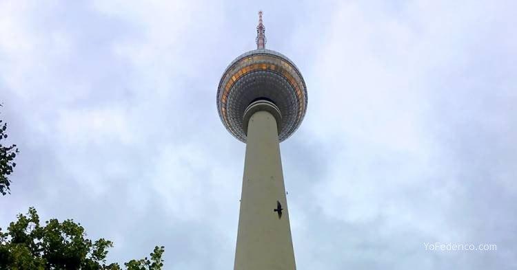 Subimos a la Torre de TV de Berlín 2