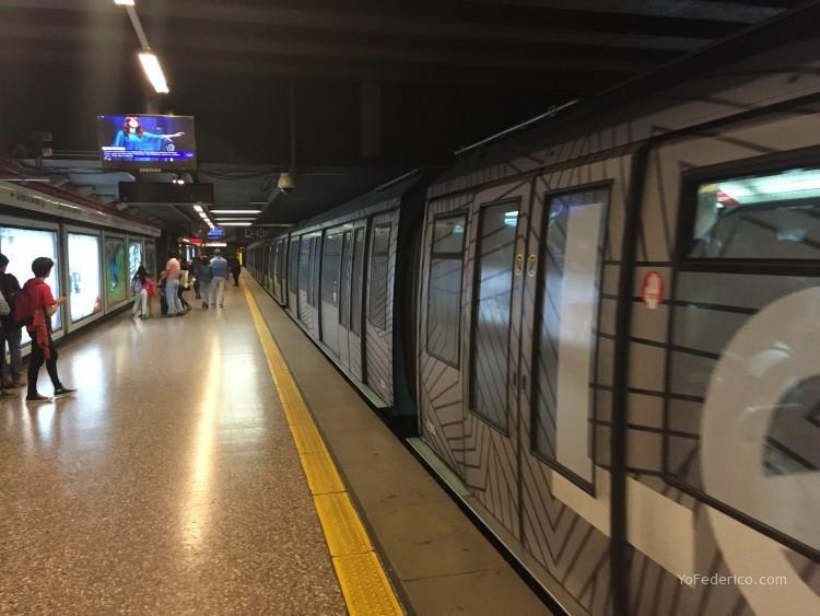 Metro Linea 1 de Santiago, Chile