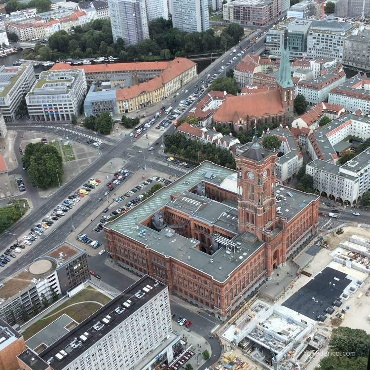 Subimos a la Torre de TV de Berlín 7