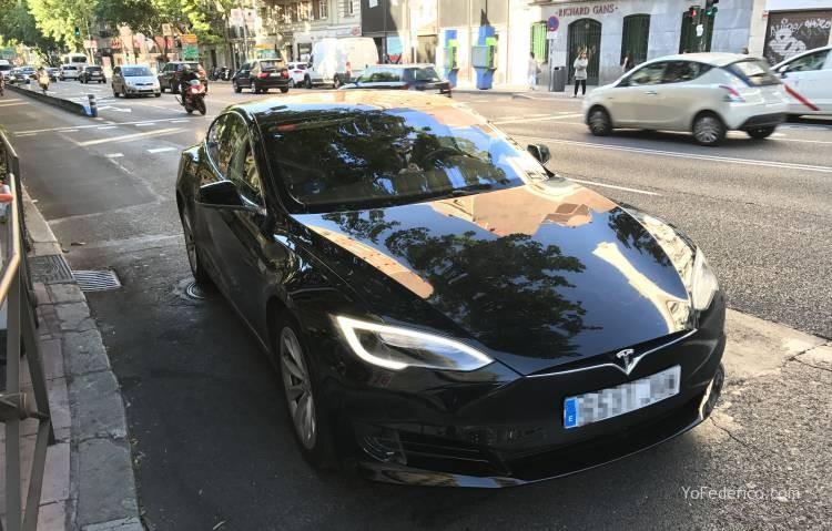 Pedí un UBER en Madrid y me vino un Tesla! 1
