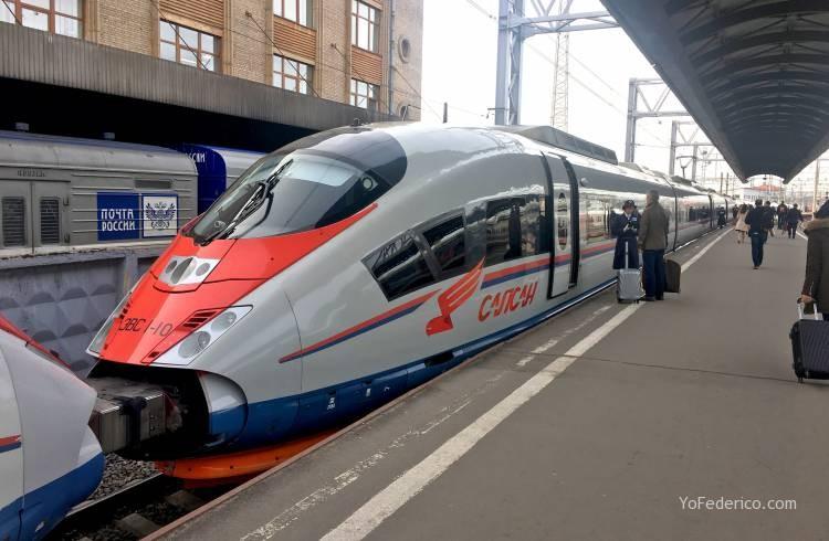Viaje en tren bala desde San Petersburgo a Moscú 1